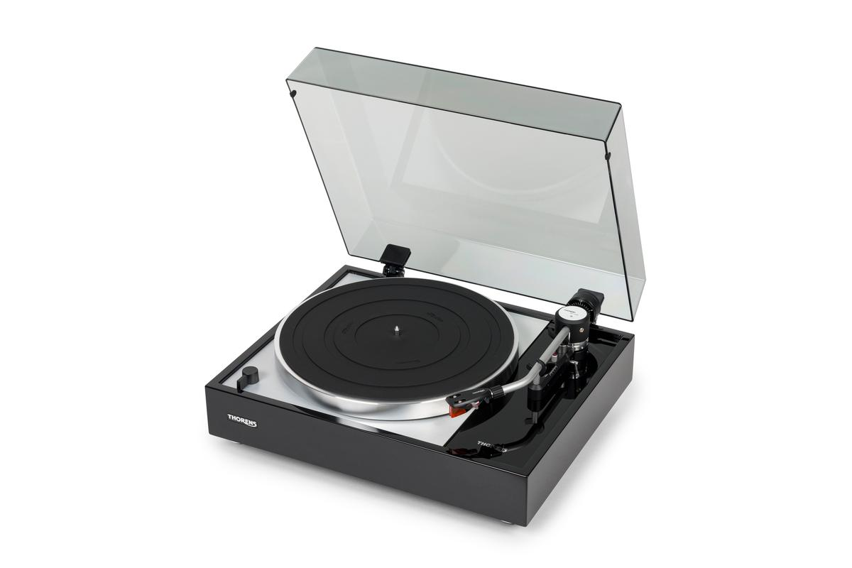 The TD 1500 belt-drive turntable is a reimagining of the Thorens TD 150 model from 1965