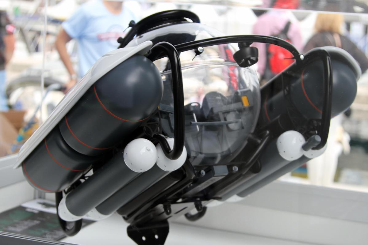 The C-Explorer 3 centrally locates the pilot behind the two passengers (Photo: Gizmag)