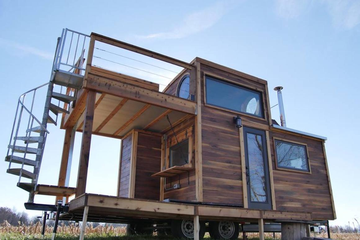Carpenter Owl has installed a folding table that seats four on the Honey on the Rock's upper deck, which is alsohome to anoutdoor tub
