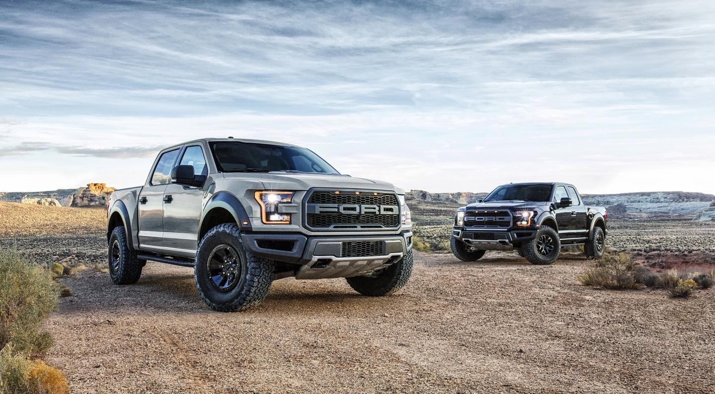 The F-150 Raptor SuperCrew expands on the outgoing model's wheelbase by 12 inches (305 mm), while also adding another 6 inches (152 mm) in girth for better off-road stability