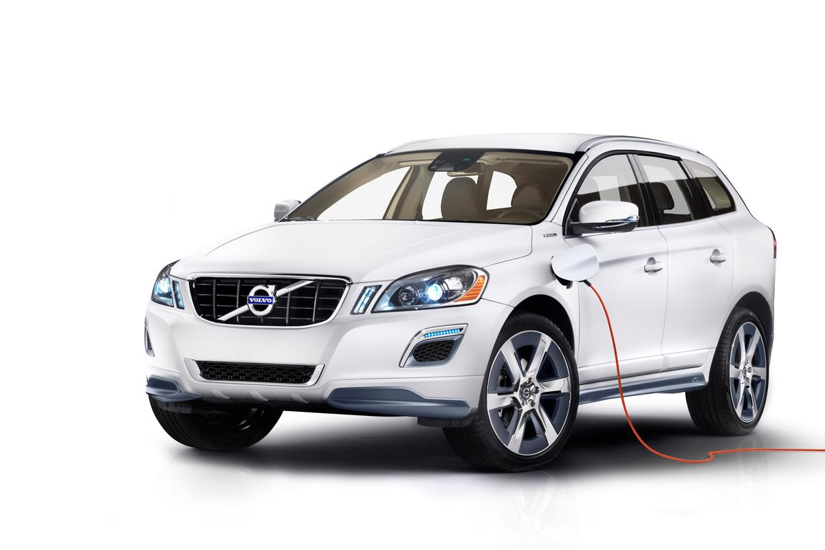The Volvo XC60 Plug-in Hybrid Concept pairs a 280 hp gasoline engine with a 70 hp electric motor