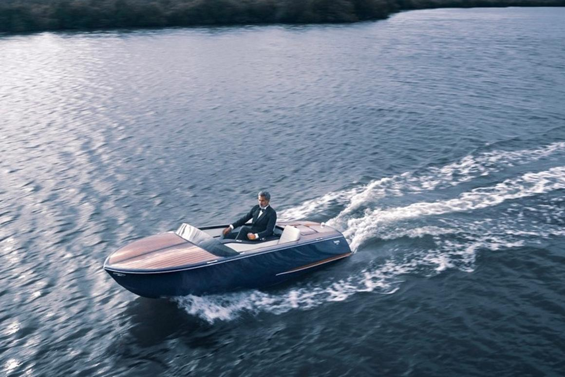 The 14 ftTahoe and Lugano have been designed to offer a stylishsilent boating experience