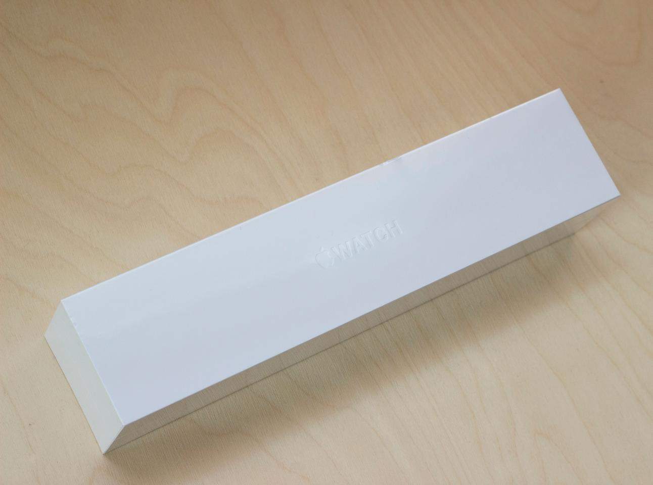 Retail packaging for the Apple Watch Sport (Photo: Will Shanklin/Gizmag.com)