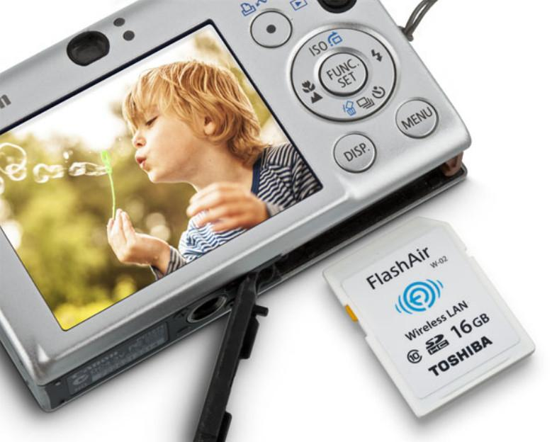 The Toshiba FlashAir II wireless SD card lets users upload photos directly from their digital camera