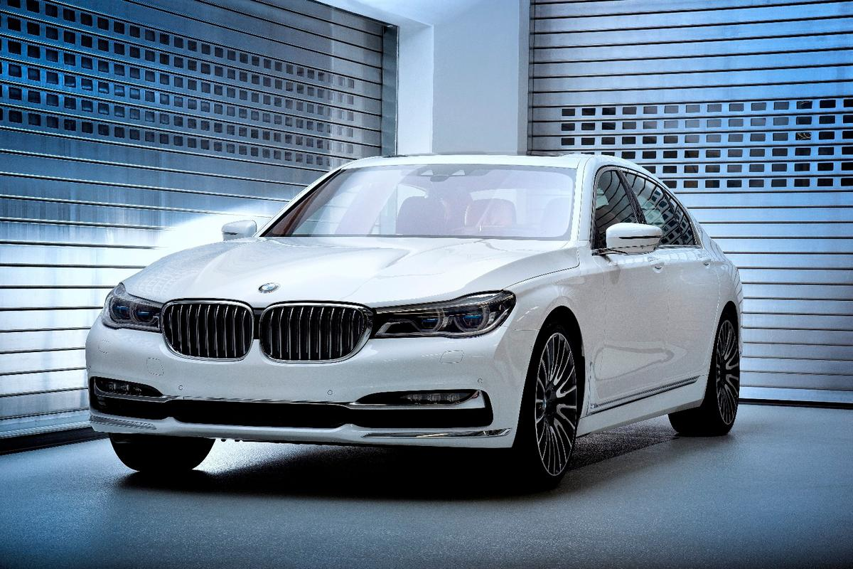 The BMW 7 Series Solitaire and Master Class Editions will be built in very limited numbers to show off the range of customization options available from Individual Manufactory