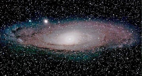 Astrophoto of M31, the Andromeda Galaxy, taken with an 85mm (3.35 in) diameter Takahashi apochromatic refractor and Innovation Foresight's new ON-Axis Guider (ONAG)