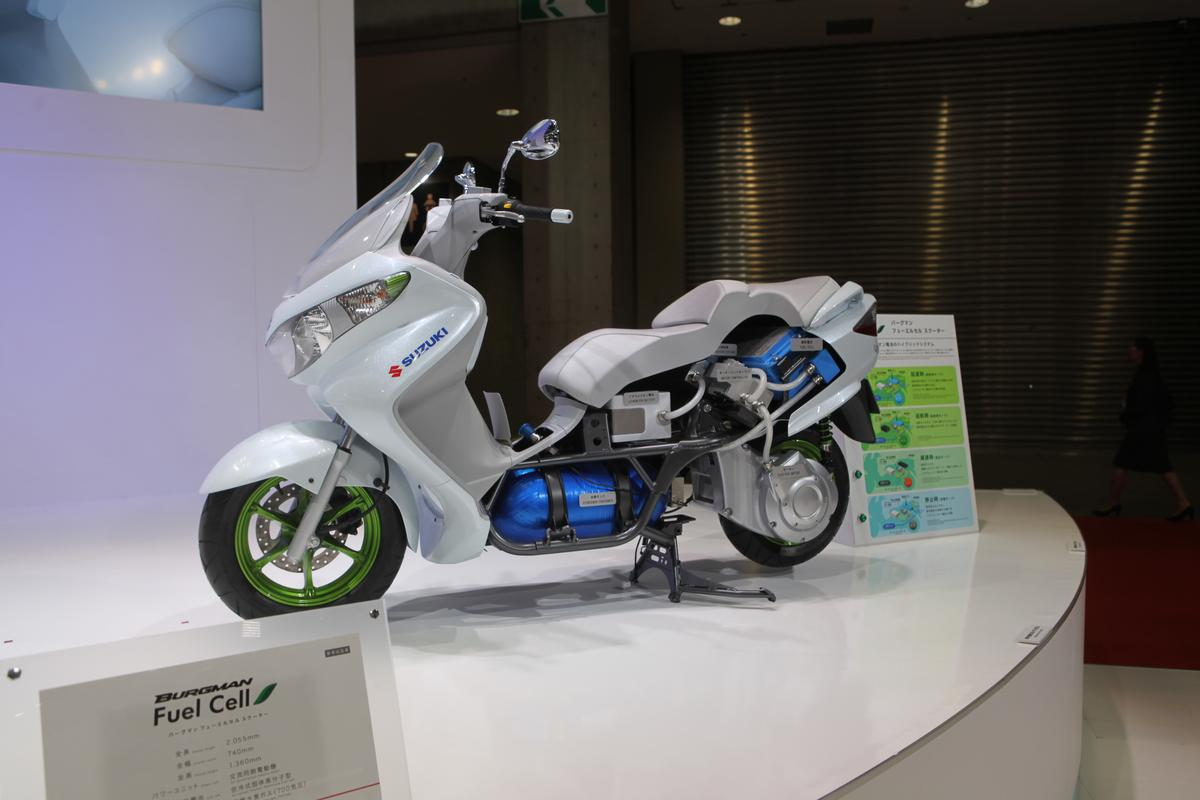Cutaway of Suzuki Burgman Fuel Cell Scooter