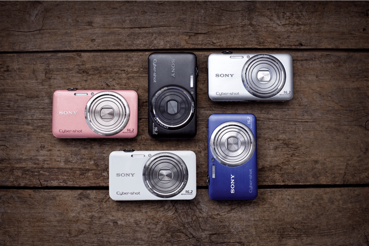 Sony has unveiled its new range of Cyber-shot compact digital cameras at CES 2011