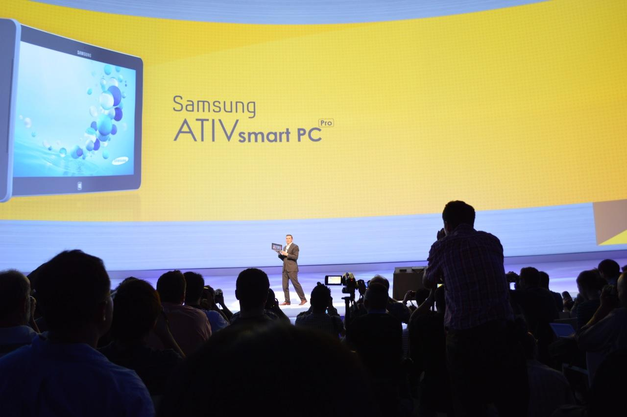 The view from the floor during Samsung's announcement