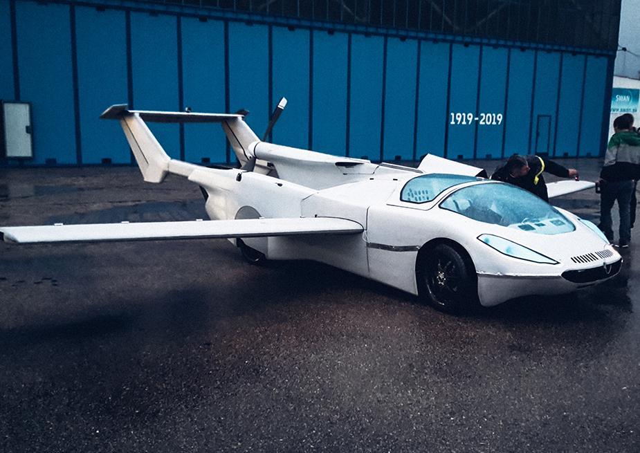 The transforming Klein Vision AirCar has taken its maiden flight