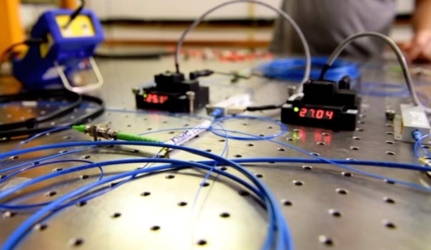 A new quantum internet could be built using off-the-shelf components and existing infrastructure
