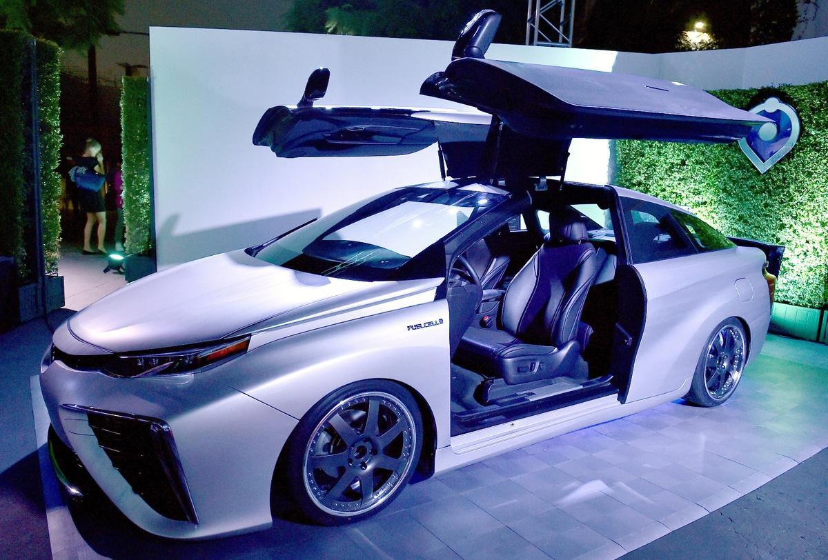 Toyota celebrates with a special Mirai