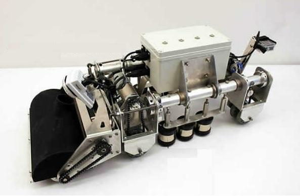The boiler pipe climbing robot uses electromagnetic technology to adhere to metal surfaces