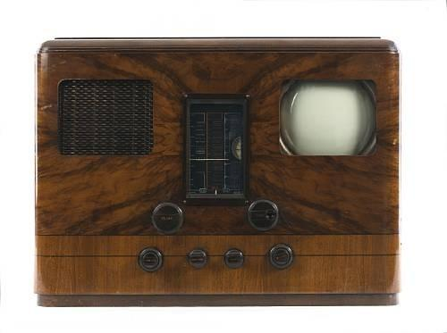 A very rare 1938 HMV table model television and wireless. Remarkably, the auction estimate is only £2,200 - 2,800