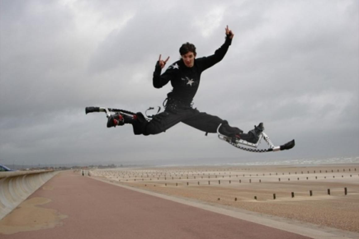 Powerbocking - Great poses are achieved by scissoring legs apart while mid-air. You don't want to land like this, though (Photo: pro-jump.co.uk)