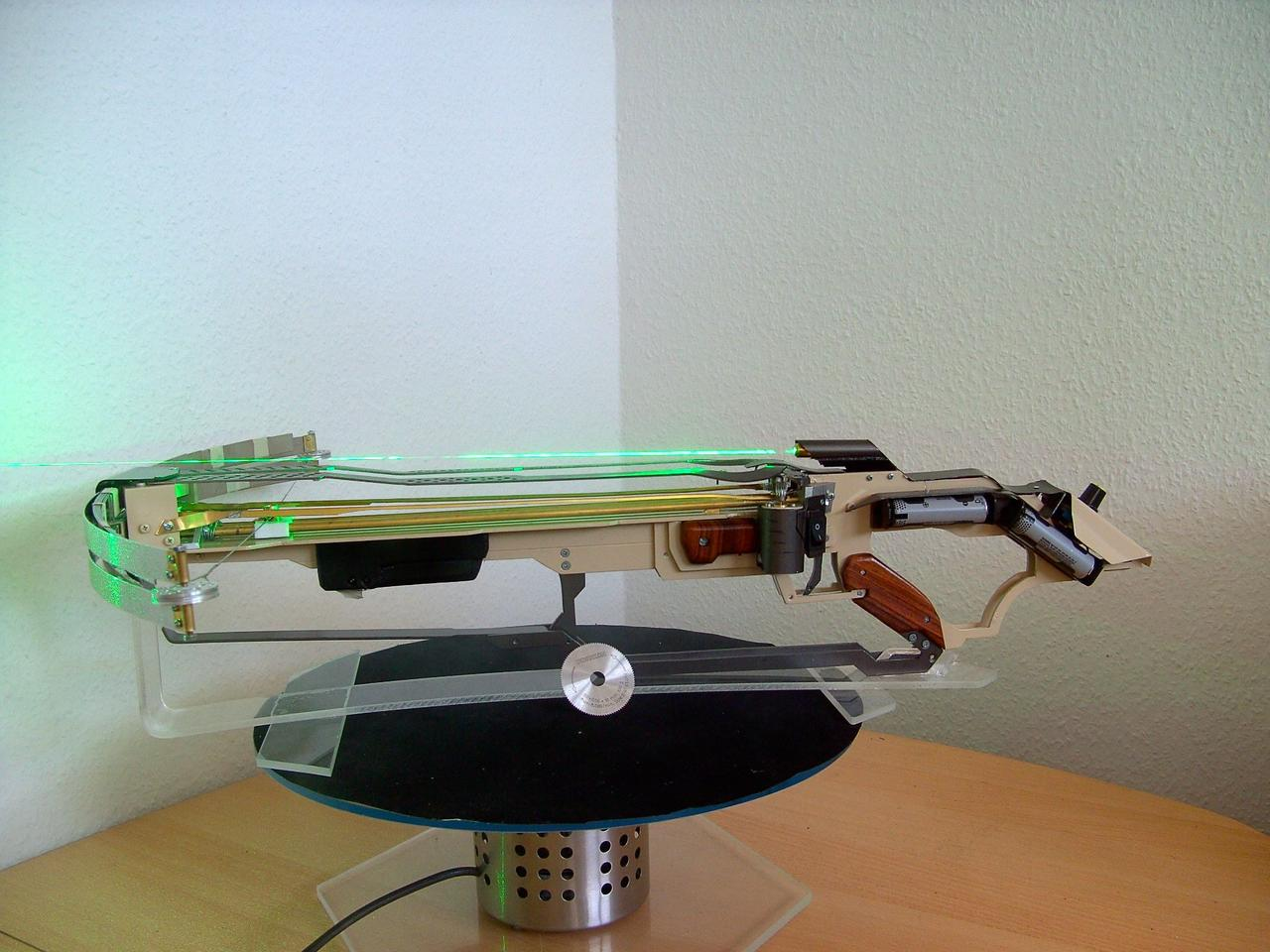 The Blade Drive incorporates an adjustable green laser sighting system, along with another very notable feature