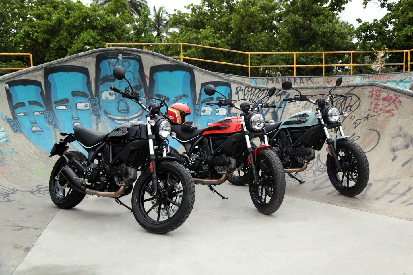 The Ducati Scrambler Sixty2 is offered in three colors