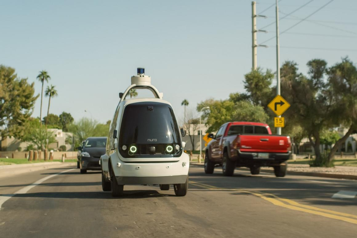 Nuro's R1 self-drivingelectric delivery pod has made the first completely unmanned grocery deliveries in Scottsdale, Arizona