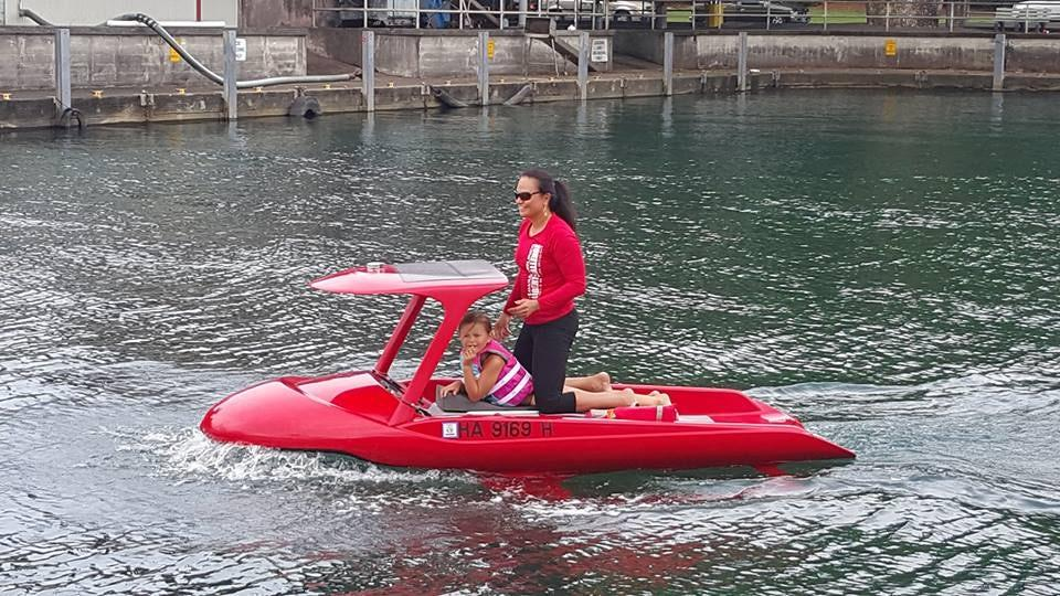 The Aeon Explorer is a solar-backed electric watercraft that provides a look underwater
