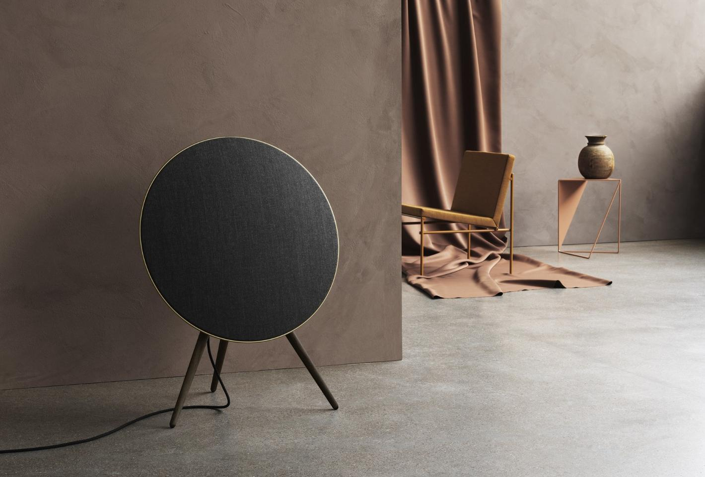 The4th-generation Beoplay A9in smoked oak andKvadrat textilecover