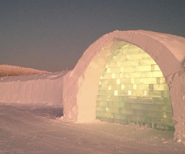 The Icehotel is located 200km (124 miles) north of the Arctic Circle, Sweden