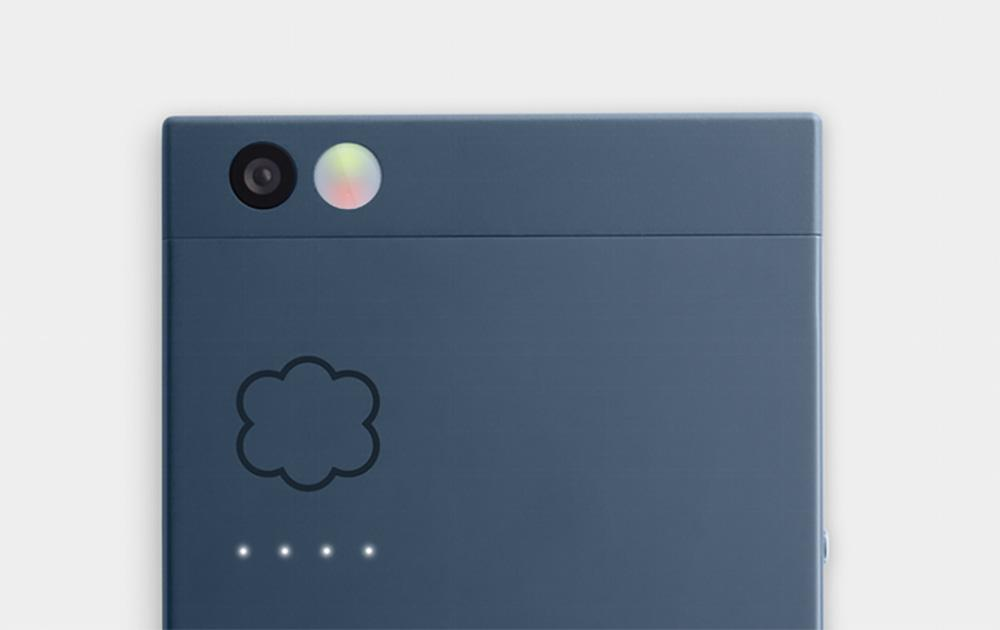 Nextbit Robin has notification LEDs on front and back