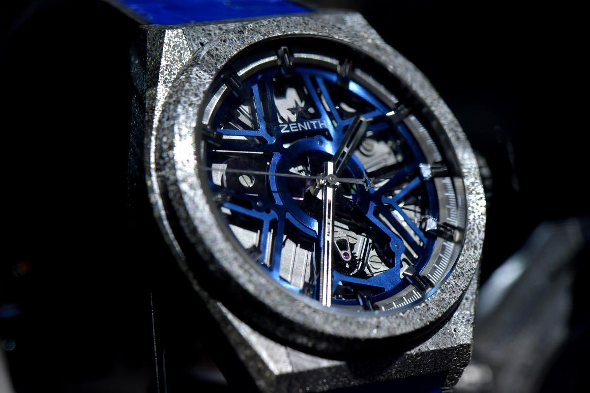 The Zenith Defy Labreplaces the spring escapement with a silicon oscillator