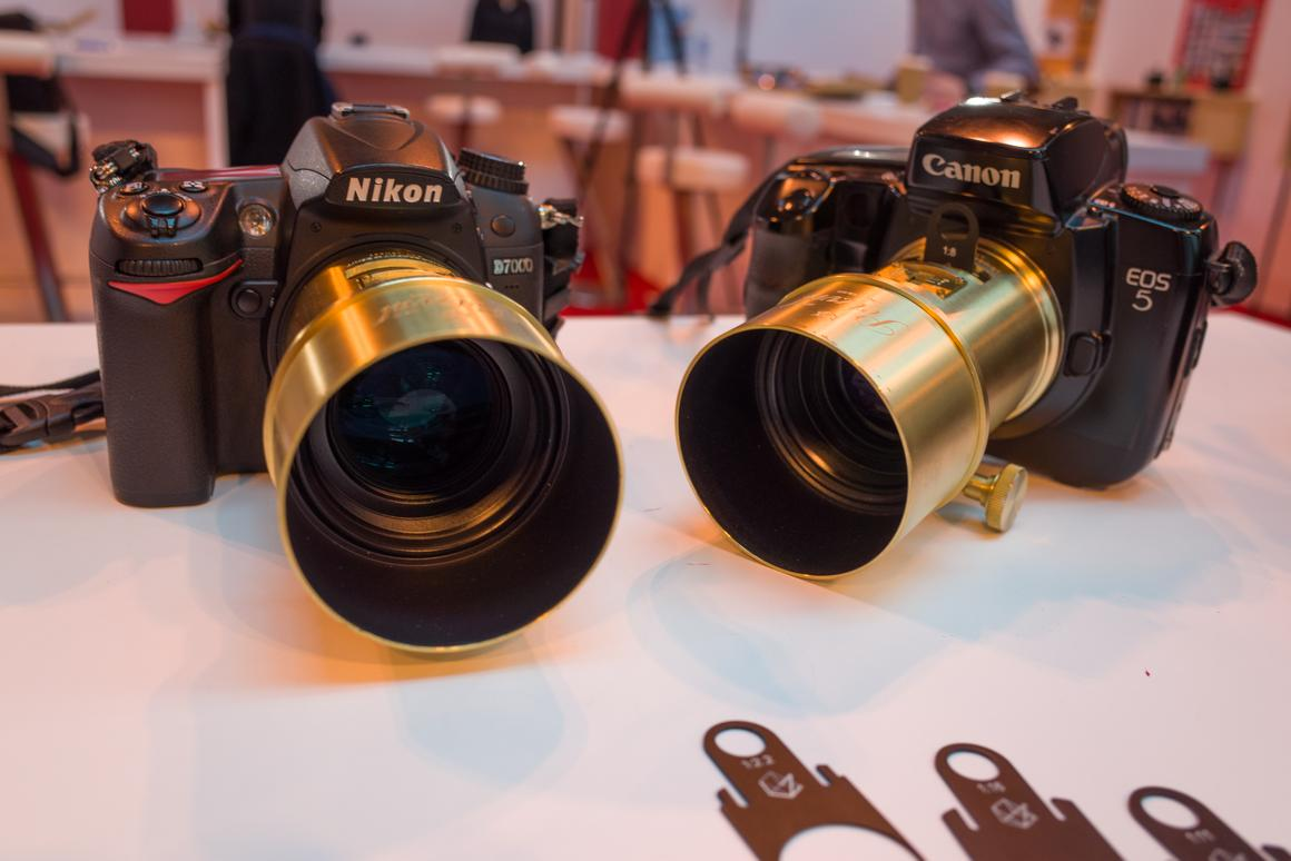 Gizmag goes hands-on with the Lomography New Petzval Art Lens
