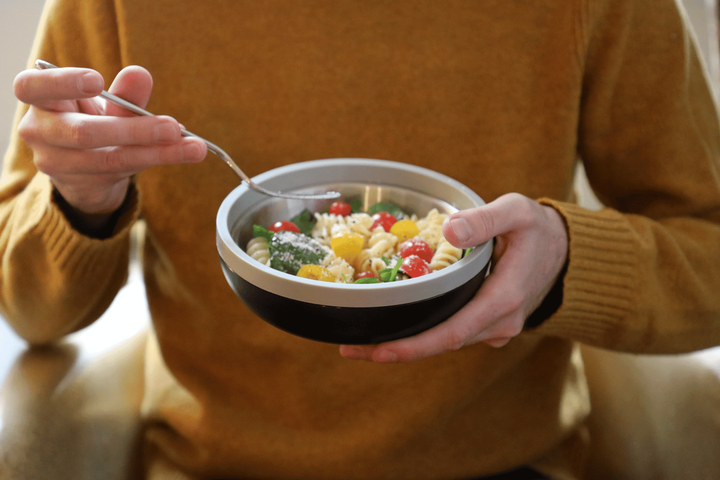 Bonbowl buyers can choose between an uncoated or non-stick bowl
