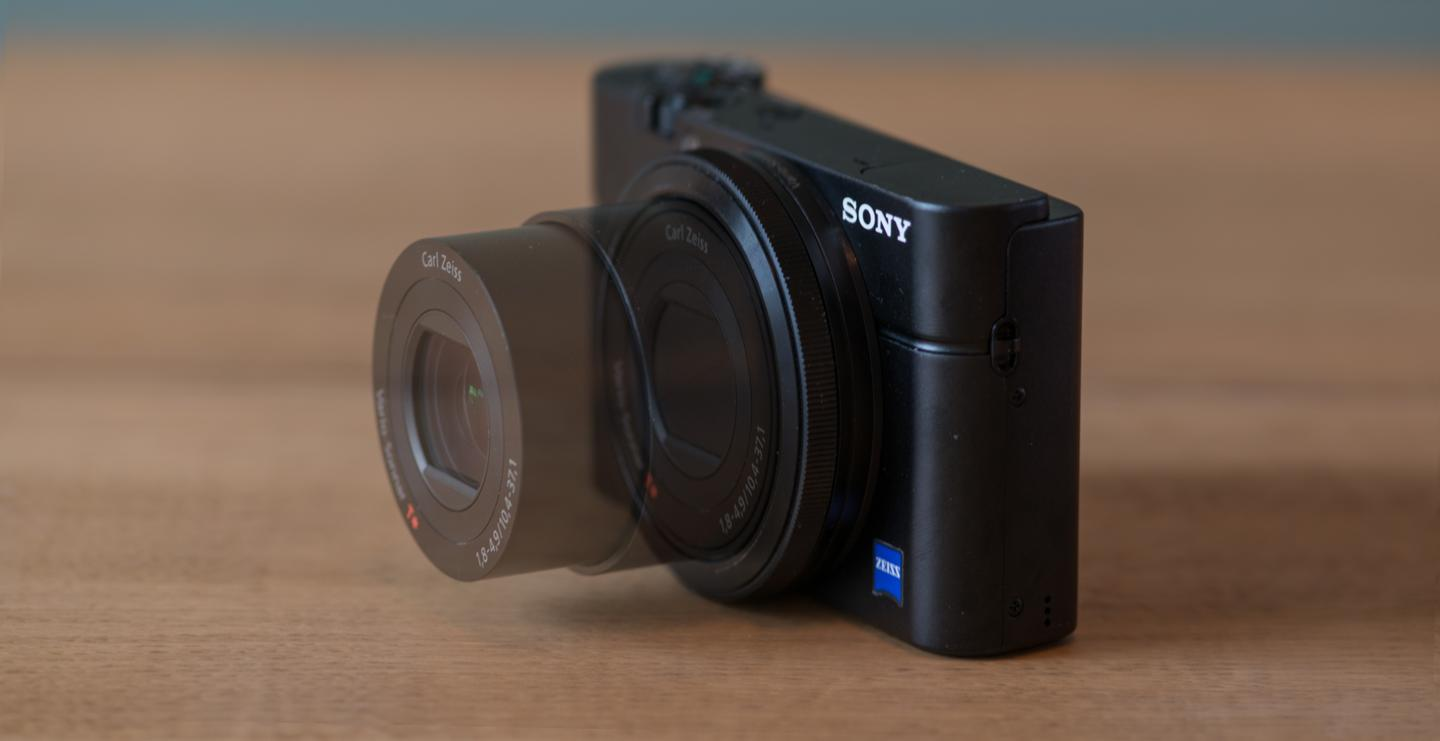 The F1.8-4.9 Carl Zeiss Vario-Sonnar T lens of the Sony RX100 has a 35mm effective focal length of 28-100mm