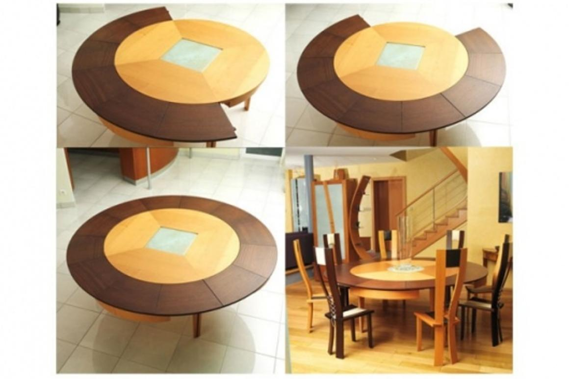 Expanding table by Philippe Braun