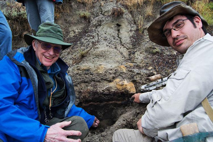Walter Alvarez and Robert DePalma at the Tanis outcrop in North Dakota