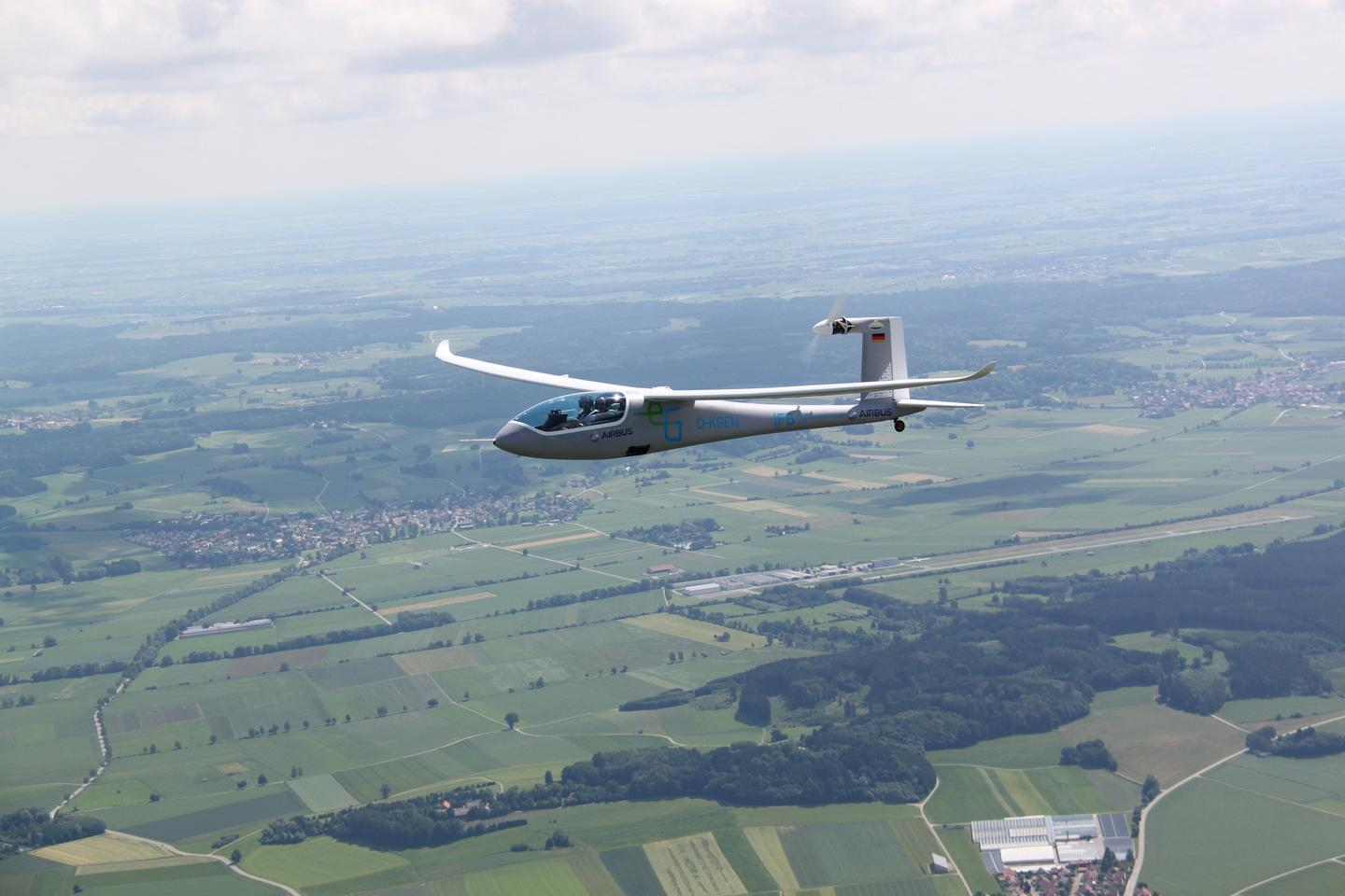 The e-Genius concept electric aircraft has managed a record-breaking flight of over two hours at an average speed of 100 mph over a distance of 211 miles