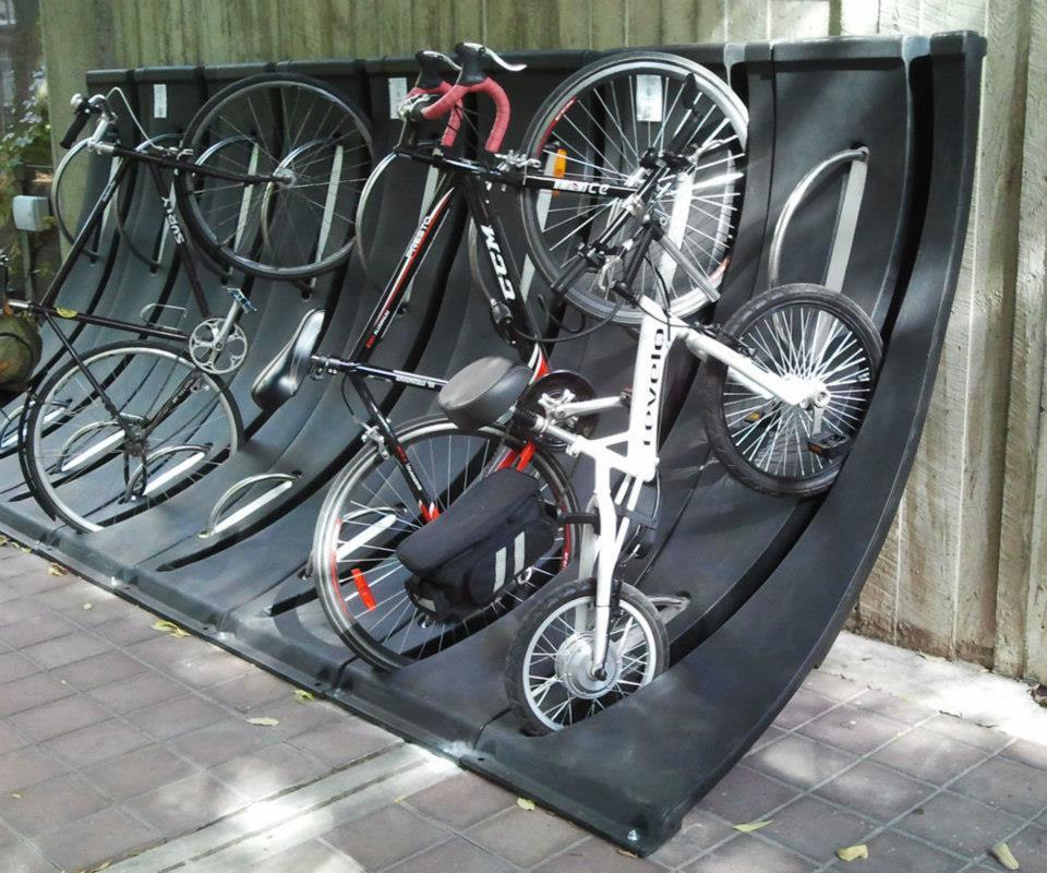 The LIFEbike is short and compact compared to regular bicycles
