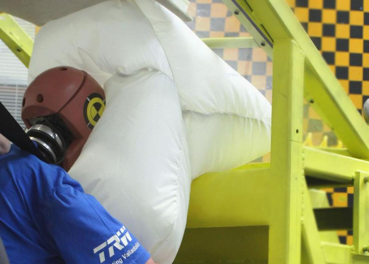 TRW's roof-mounted airbag in testing