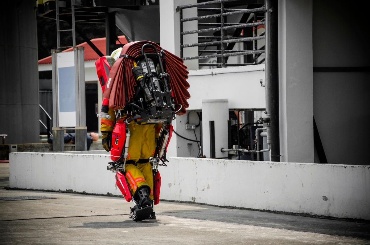 Piston-pumped legs and a specially-designed frame allow Auberon to lighten the load for firefighters