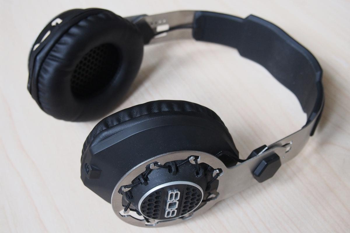 Gizmag reviews 808 Audio's Performer BT Bluetooth headphones (Photo: Adam Williams/Gizmag)