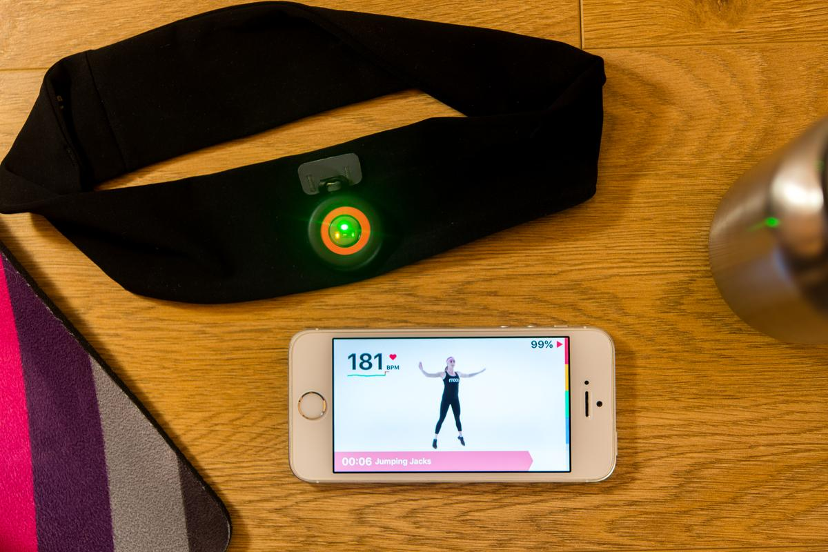 We try the Moov HR Sweat to get smart heart-rate-based workout coaching