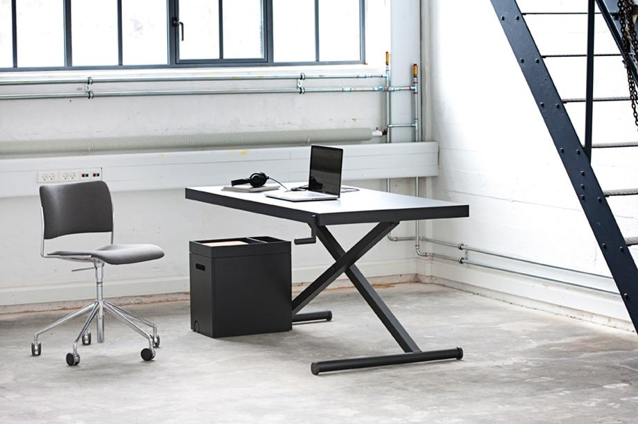 XTable offers a simple height-adjustable workspace