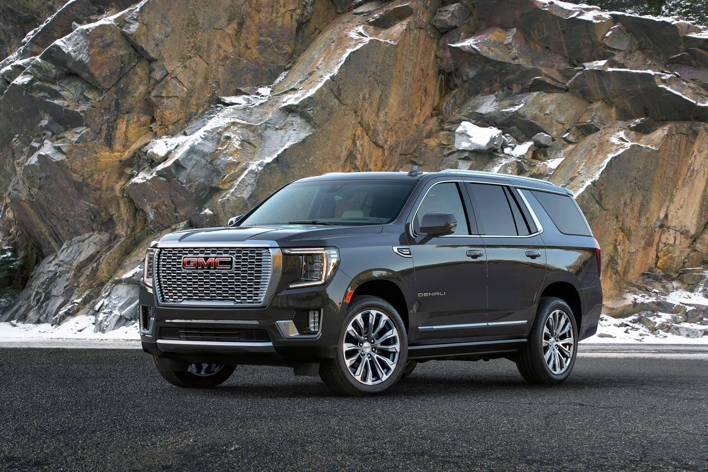 The new GMC Yukon features a bigger size, more space, and a lot of engineering