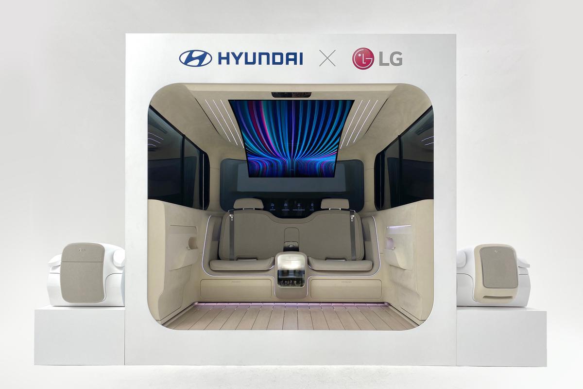 Hyundai and LG present the Ioniq Concept Cabin