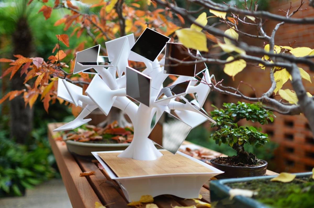 The electree+ harvests solar energy through 27 amorphous-silicon square solar panels