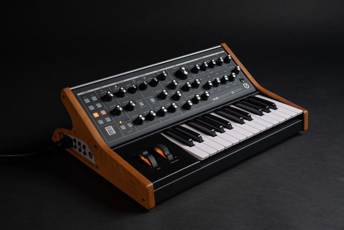 "Moog describes the Subsequent 25 as a ""portable paraphonic analog synthesizer based on the award-winning Sub Phatty sound engine"""