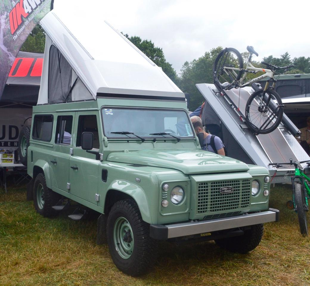 Land Rover Defender Heritage Edition with Alu-Cab Icarus roof system