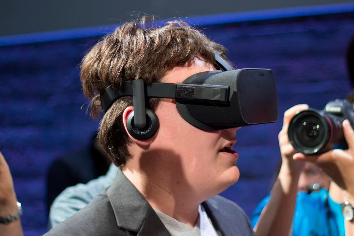 Oculus founder Palmer Luckey says Rift pre-orders will start soon after the new year