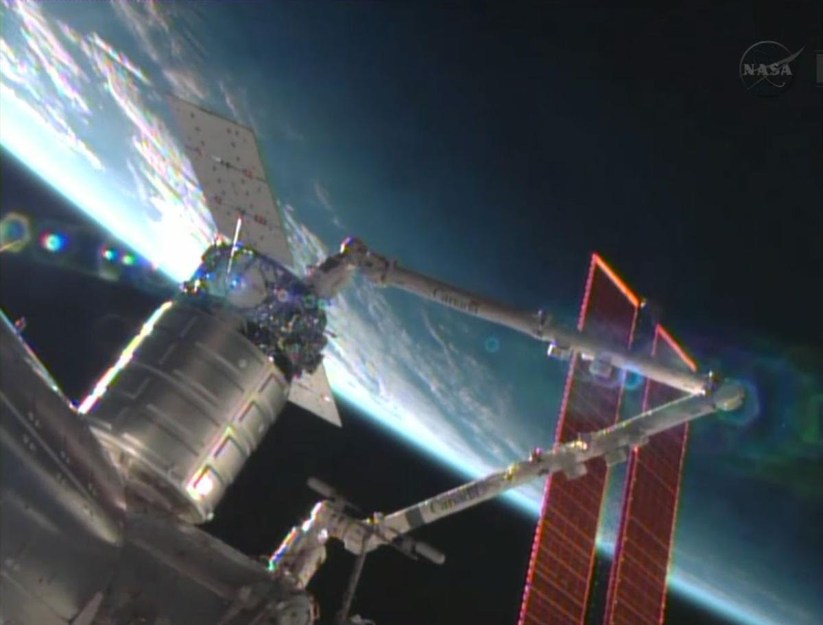 Cygnus made its rendezvous with the station at at 8:44 AM EDT on Sunday (image: NASA TV)
