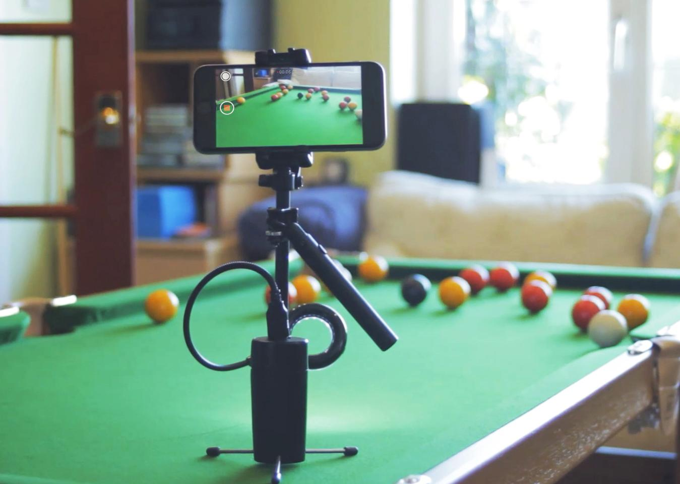 The base of the MiniRig stabilizer features tripod legs