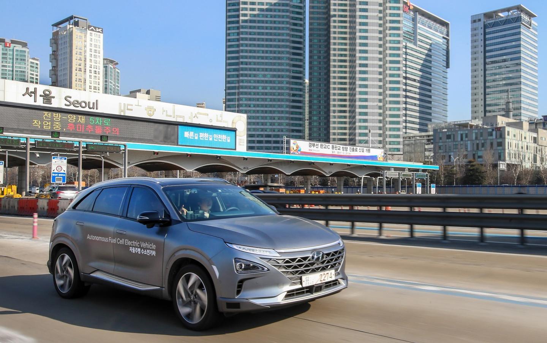 An autonomous Hyundai Nexoon the road between Seoul and Pyeongchang