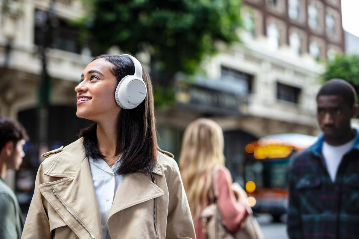 Dual-sensor noise cancellation technology essentially cuts you off from the outside world so you can focus on the music