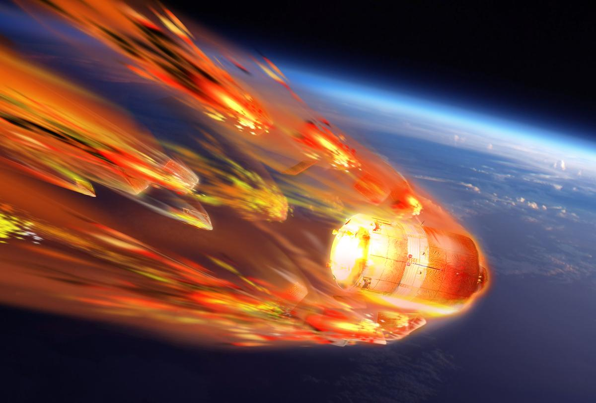 Artist's impression of ATV-5 Georges Lemaître burning up on re-entry (Image: ESA-D/Ducros)